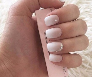 nails, ombre, and beauty image