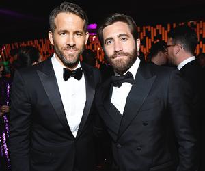 jake gyllenhaal and ryan reynolds image