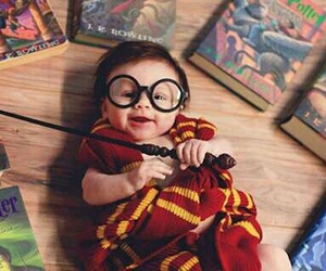 baby and potter image