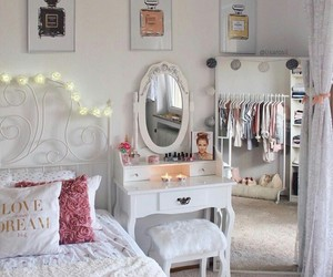 aesthetic, bedroom, and chanel image