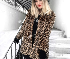 animal print, blogger, and blonde image