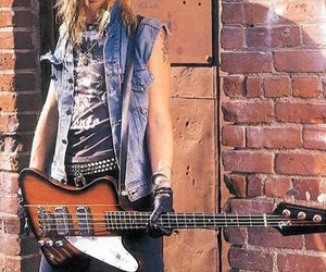 bass, guns and roses, and blonde image