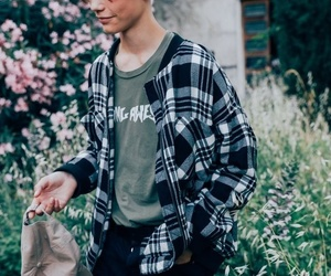 90's, clothes, and garden image