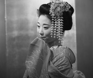 b&w, dance, and geisha image