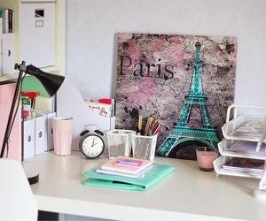paris and room image