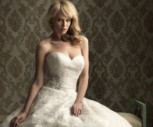 ball gown, a line lace wedding dress, and heart wedding dress image