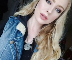 alternative, labret, and Piercings image