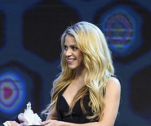 gorgeous, shakira, and my queen image