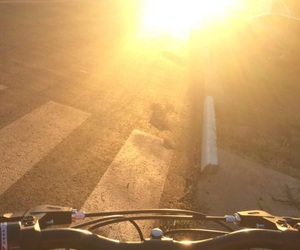 ciclismo, cycling, and sunset image