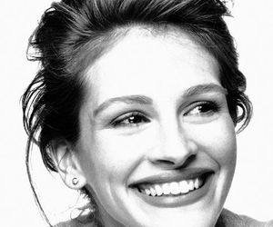 julia roberts, smile, and black and white image