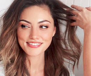 actress, girl, and phoebe+tonkin image