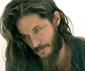 travis fimmel, vikings, and Hot image
