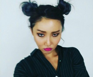mamamoo and hwasa image