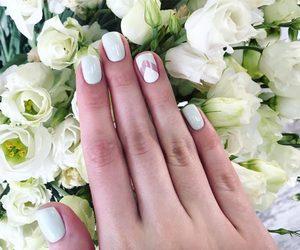 nails, short nails, and pretty image