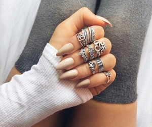 girl, nail, and anelli image