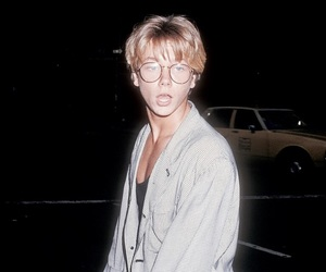 boy, river phoenix, and 80s image