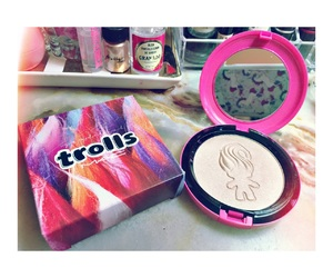 mac, makeup, and trolls image