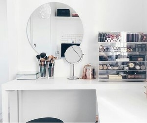 closet, dressing table, and decoration image