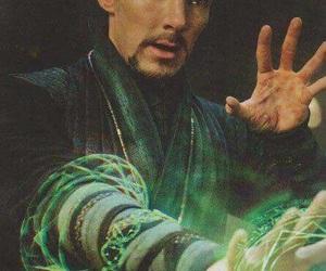 benedict cumberbatch, magic, and Marvel image