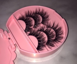 pink, eyelashes, and lashes image