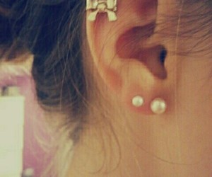 bow, girly, and piercing image