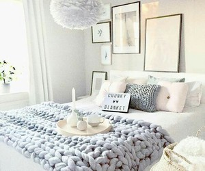 pretty, simple, and chunky blanket image
