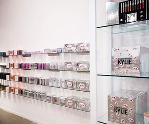 shop and kylie jenner image
