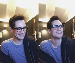 brendon urie and panic! at the disco image