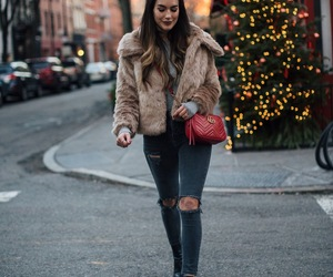 blogger and outfit image
