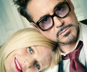 gwyneth paltrow and robert downey jr image
