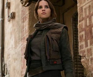 Felicity Jones, star wars, and rogue one image