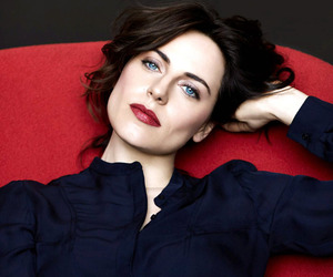 antje traue image
