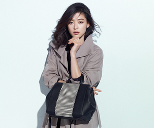 Elle, fashion, and korean image