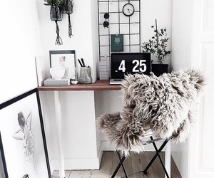 desk image
