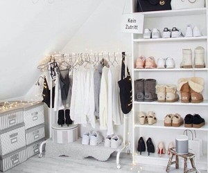 bathroom, clothes, and ديكور image