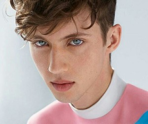 troye sivan, boy, and troye image