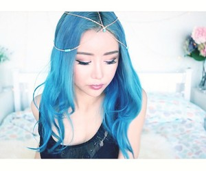 blue hair and wengie image
