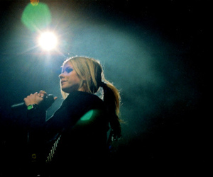 Avril, tta, and concert image