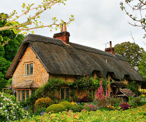 country and garden image