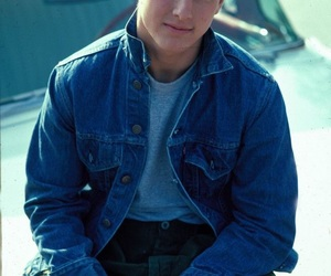 Tom Cruise and the outsiders image