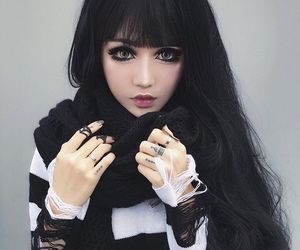 black, eyes, and ulzzang image