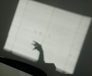 hand and shadow image