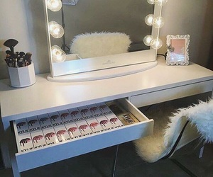 kylie jenner, luxury, and make up image