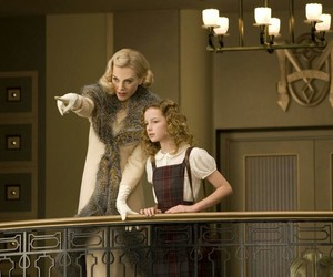 film and the golden compass image