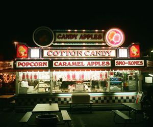 caramel apples, carnival, and popcorn image