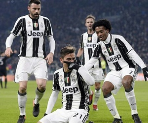 argentina, italy, and Juventus image