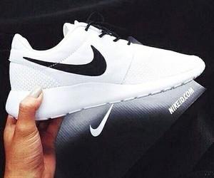 fashions and shoe image