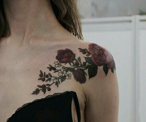 beautiful, femme, and flowers image
