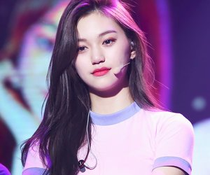 ioi, doyeon, and kpop image
