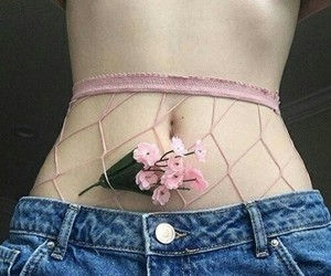 aesthetic, body, and flowers image